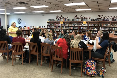 Seniors discuss Admissions with Murray State representative!